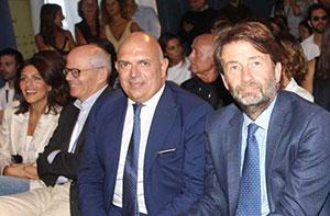 Enrico Zampedri (a sinistra) con il ministro Dario Franceshini